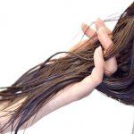 【アジエンスと抜け毛】最近、抜け毛が多いなと感じていたらシャンプーのせいかも!?