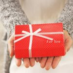 子供なし夫婦は姪っ子に1歳の誕生日プレゼントあげるべき?
